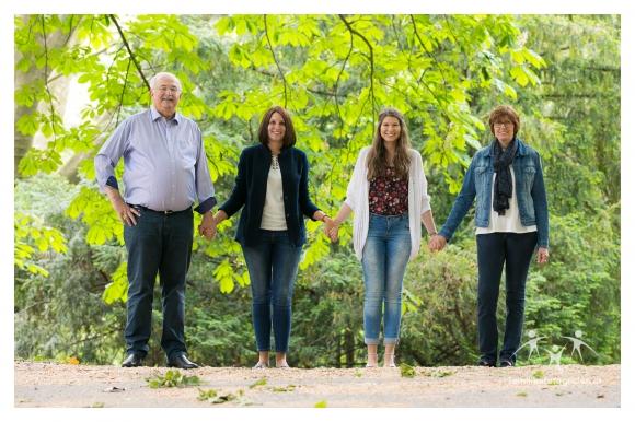 Familienfotos im Freien.