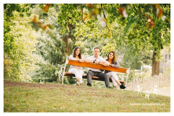 Herbstliche Familienfotos im Freien in Wien-12