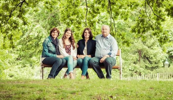 Natürliche Familienfotos vom Fotografen in Wien